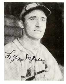 Lynn Myers Autograph on a 1940 Play Ball Reprint (#133)
