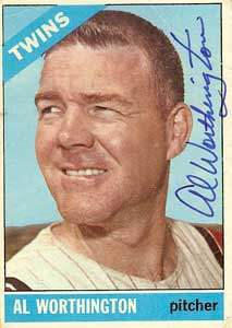 Al Worthington Autograph on a 1966 Topps Baseball Card (#181 | <a href='../baseball_cards/baseball_cards_oneset.php?s=1966top01' title='1966 Topps Baseball Card Checklist'>Checklist</a>)