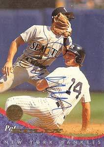 Pat Kelly Autograph on a 1994 Leaf (#51)
