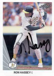 Ron Hassey Autograph on a 1990 Leaf (#326)