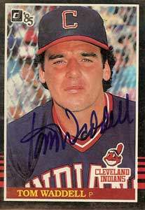 Tom Waddell Autograph on a 1985 Donruss Baseball Card (#582)