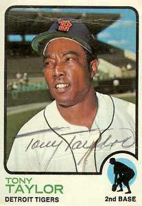 Tony Taylor Autograph on a 1973 Topps (#29)